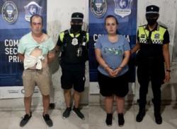 Los delincuentes fueron identificados como Leandro González (27) y María Agustina Ortiz (23). Al hombre le dieron para que tenga y guarde.