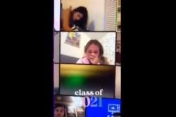 Una alumna estaba cursando una materia online, vía Zoom y decidió tener relaciones sexuales en plena clase. Lo cierto es que se olvidó de apagar la cámara y sus compañeros vieron todo.