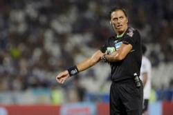 Vigliano habló después del polémico penal en Racing-Independiente: ''Quería hacer un agujero en la tierra''.