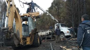 Premisa. Tras el incendio todavía hay muchas familias sin energía y se trabaja en la reconexión del servicio.