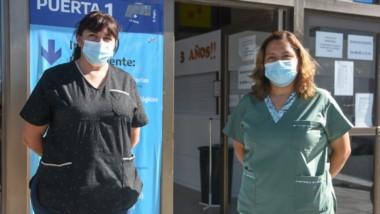 Yolanda Idiarte y María del Carmen Galindo, integrantes del vacunatorio del hospital Isola, dieron precisiones.