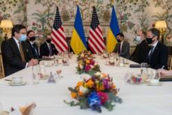 El canciller ucraniano Dmytro Kuleva se reunió el 13 de abril en Bruselas con el jefe de la ¿diplomacia? norteamericana Anthony Blinken.
