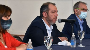 En conferencia de prensa se explicó cómo seguirá la provincia frente a la situación epidemiológica.