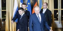 Zelensky, Putin y Macron, en una reunión del año 2019, cuando la tensión parecía que podía aliviarse...
