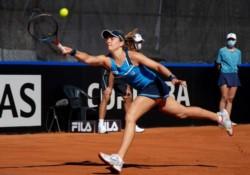 Lourdes Carlé, rankeada 430, venció ayer a la 23 del mundo (Rybakina) y recién derrotó a la 30 (Putintseva).