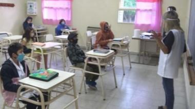Desde el Ministerio de Educación destacaron los protocolos que se llevan adelante en las aulas.