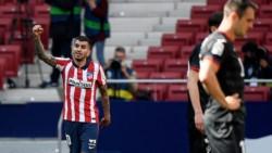 Dos minutos de oro de Ángel Correa comandaron a un Atlético de Madrid que resiste en el liderazgo.