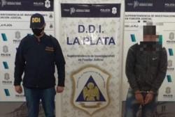 Un joven de 21 años fue detenido en el partido bonaerense de La Plata como acusado de haber abusado sexualmente de su hermana de 13 años.