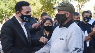 Recuerdo y acompañamiento. El intendente Maderna también  anunció la cesión de tierras para el Centro de Ex Combatientes para la construcción de un nuevo predio.
