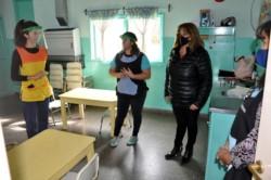 Máscaras y barbijos. El Jardín Maternal Municipal n° 2.414 de Esquel inició sus clases presenciales.