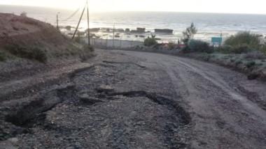 Así quedan los accesos a la costa de Magagna tras la lluvia. Se esperan más precipitaciones estos días.