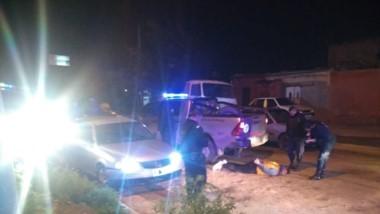 El hombre fue detenido luego de impactar contra un móvil policial.