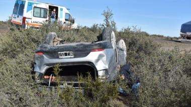 El accidente se produjo aproximadamente a 20 kilómetros de Trelew.
