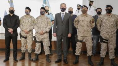 El gobernador Mariano Arcioni encabezó acto de reconocimiento a los efectivos policiales que se realizó en el Salón de los Constituyentes.