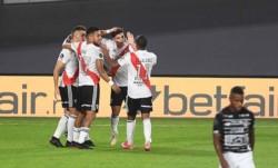 River le ganó a Junior y se acomodó en lo más alto de su grupo junto a Fluminense.