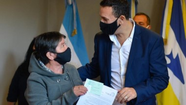 Beneficio. El intendente Maderna encabezó el significativo acto.