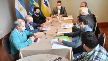 En el encuentro participaron además autoridades del Instituto Provincial del Agua para aunar criterios.