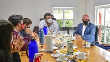 El intendente Gustavo Sastre y la Cámara de Comercio planificaron estrategias para combatir la pandemia.