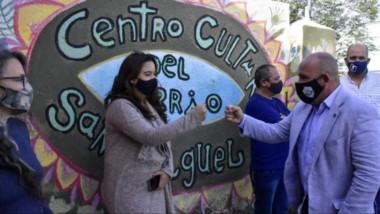 Gustavo Sastre se hizo presente en el Centro Cultural San Miguel donde funcionan algunos talleres.