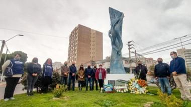 Gustavo Sastre encabezó los actos conmemorativos en Madryn.