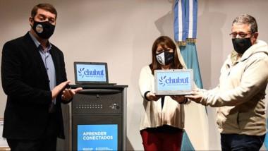 Equipos. Damián Biss y  Florencia Perata participaron de la entrega.