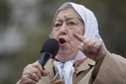 La presidenta de Madres de Plaza de Mayo, Hebe de Bonafini, criticó a los argentinos que
