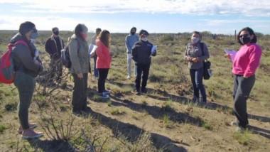 En terreno. Estudiantes evalúan recuperar las áreas en El Doradillo.