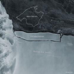 El inmenso bloque de hielo, comparado con la superficie de Mallorca (España).
