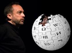 Jimmy Wales ,co fundador y uno de los promotores de la enciclopedia libre.