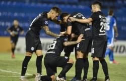 Ya eliminado, San Lorenzo derrotó 2-0 a 12 de Octubre por la Sudamericana.