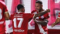 Argentinos Juniors derrotó sobre la hora a Atlético Nacional y aseguró el primer lugar del grupo F.