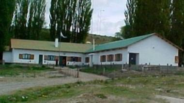 Escuela Rural. Una postal del establecimiento donde la comunidad educativa hace mucho esfuerzo para que los chicos puedan tener clase.