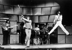 Power performance. Los Who se caracterizaban por sus shows muy potentes, en los que solían terminar rompiendo sus instrumentos.