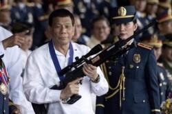 Presidente filipino Rodrigo Duterte (foto) mandará detener a intendentes si hay reuniones prohibidas por el coronavirus.