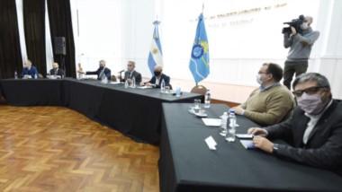 El gobernador Arcioni reunió a su gabinete en Casa de Gobierno para evaluar las medidas necesarias para poder frenar los contagios.