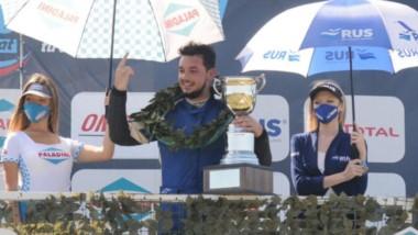 """El piloto chubutense """"Manu"""" Abdala es el puntero del campeonato de la Clase 2 del Turismo Nacional."""