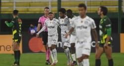 Rony anotó el 1-0 sobre Defensa y Justicia y mandó a silenciar a todos.