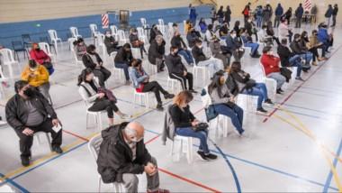 Uno de los Centros de Vacunación en Puerto Madryn, que avanzan con cada uno de los grupos de riesgo.