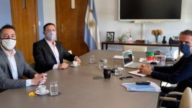 El intendente  Adrián Maderna junto a De la Vallina, reunidos con el ministro de Obras Públicas de la Nación, Gabriel Katopodis.