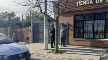 El ladrón fue detenido luego de ser interceptado por las víctimas.