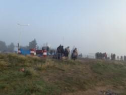 Una larga fila de camiones se acumuló en la Ruta 3, en la salida hacia la ciudad de Puerto Madryn.