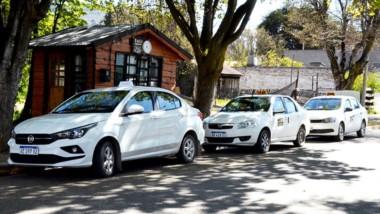 La economía vuelve a deparar un incremento  en la tarifa de taxi.