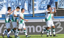 Con el gol de Ramiro Enrique, Banfield se permite soñar. Alcanzó a los 20 puntos en la Zona A.