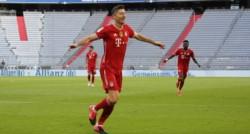 Robert Lewandowski hizo su hat-trick y logró su séptimo título en 7 temporadas en Bayern Munich.