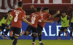 En el segundo tiempo con los golazos de Romero y Blanco logró sellar la clasificación a 4tos de final. El rival será Estudiantes.