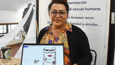 Nadia Zúniga y la portada de Tiempo de Mariposa. Lo presenta el viernes.