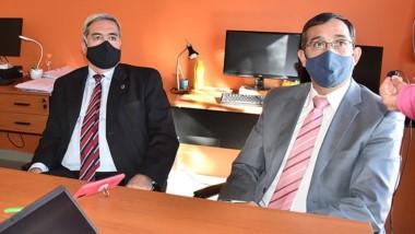 El procurador Jorge Miquelarena y el fiscal Rivarola en la conferencia.