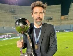 El entrenador se metIó en la historia como el primer DT campeón con Colón en el fútbol argentino.