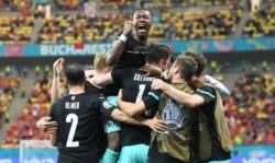 Austria arranca con victoria y deja a Macedonia sin premio en su debut.