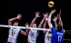 A pesar del buen rendimiento nacional, Rusia se lleva la victoria en cuatro sets.